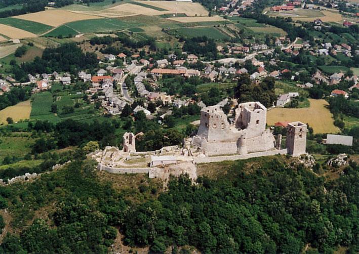 Csesznek_-_Castle