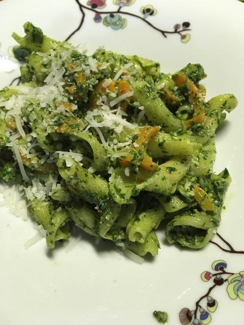 Möhrengrün-Pesto